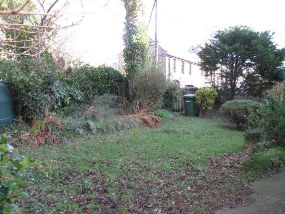 front_garden_before